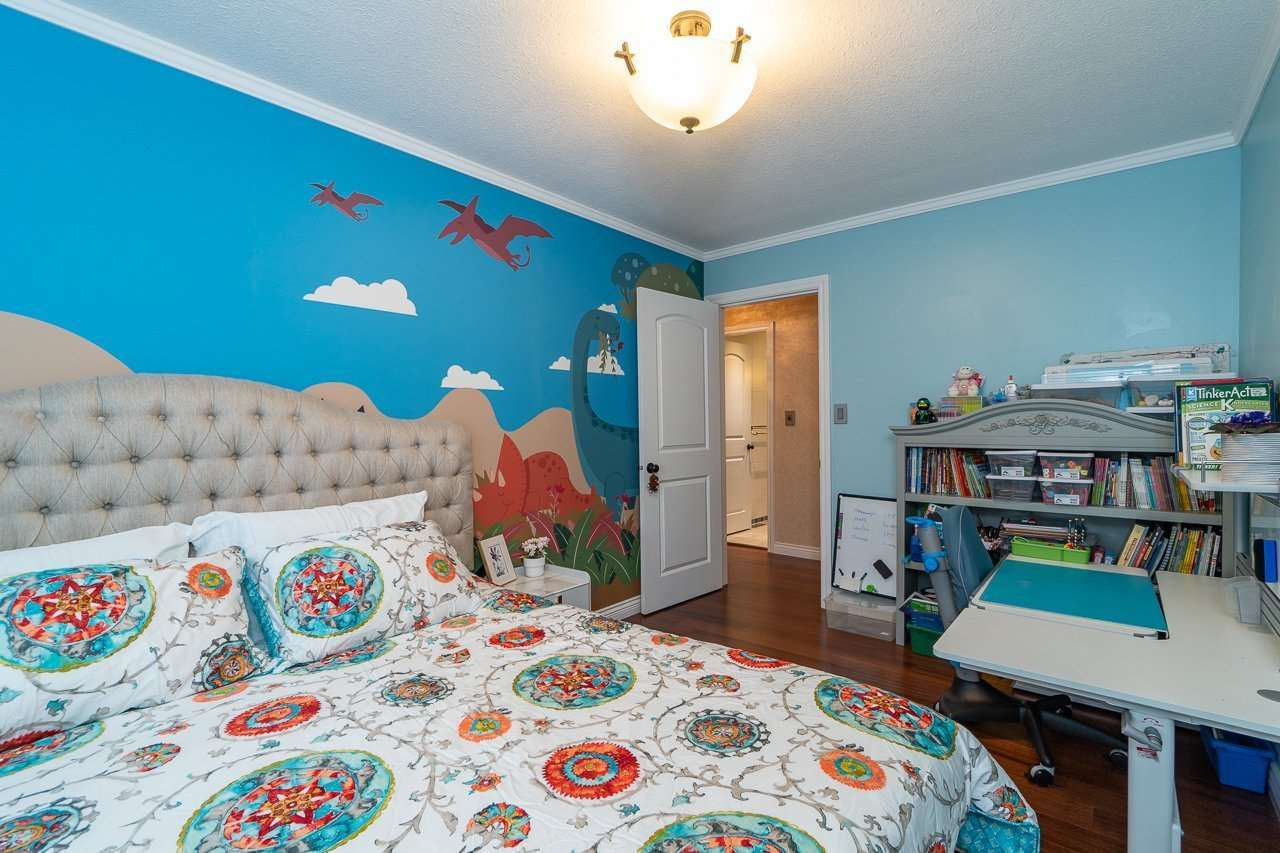 10291 HOLLYWELL DRIVE : [18]