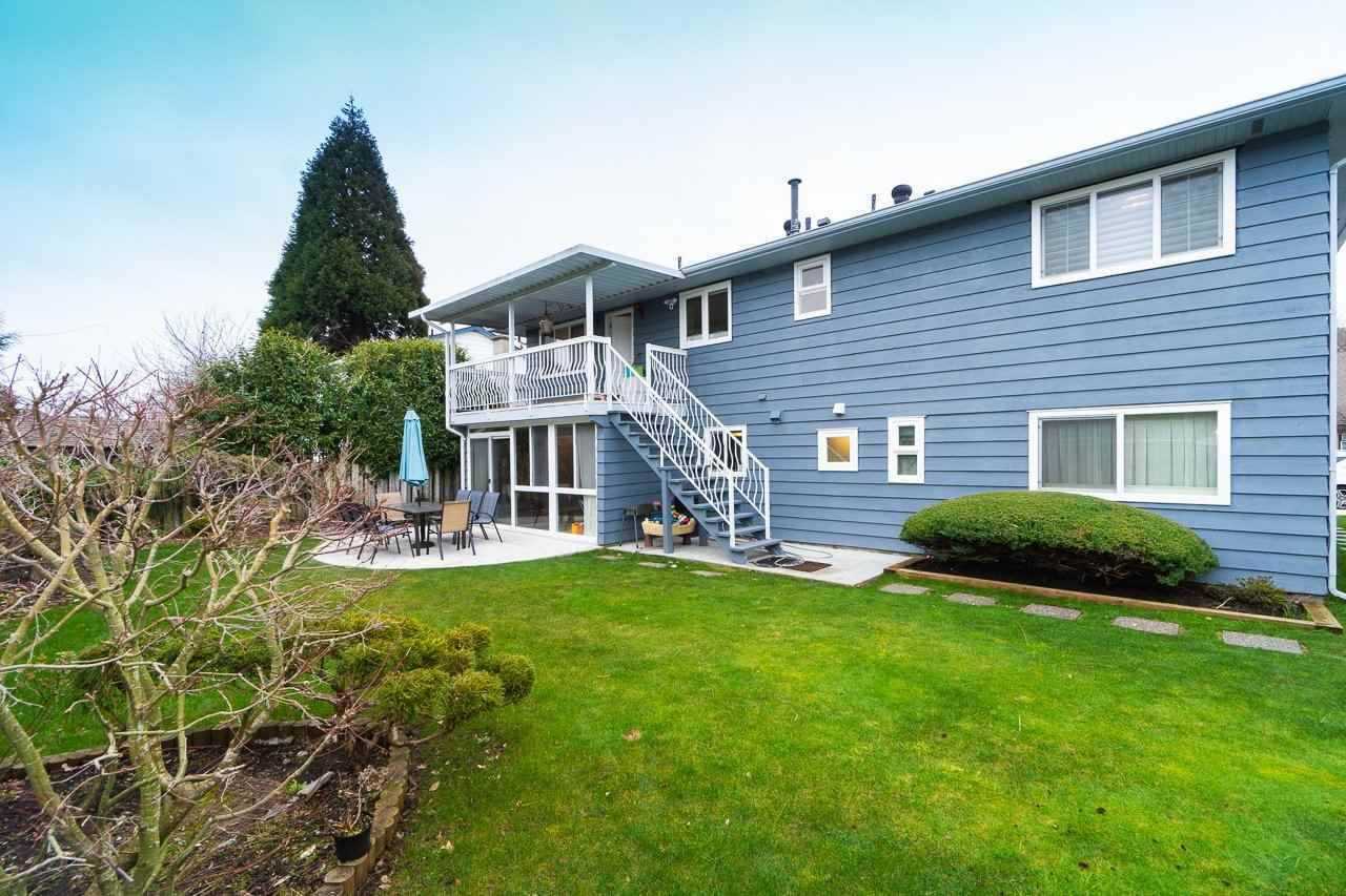10291 HOLLYWELL DRIVE : [32]